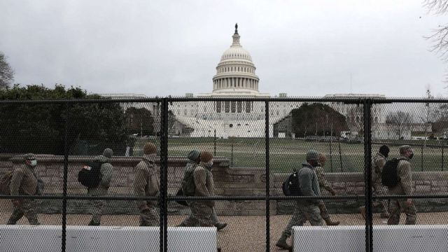Non-scalable fencing around the US Capitol in Washington DC - JoeKennedy.biz