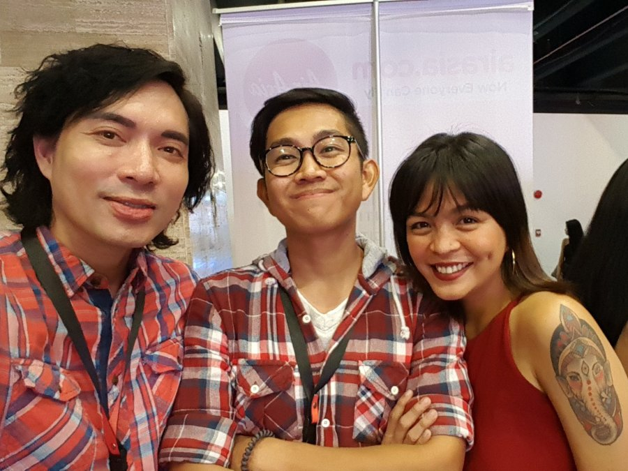 Me and Kenneth Surat with fellow Travel Blogger and Red Hub Convention Speaker Trisha Velarmino who told us that being a Travel Blogger is a profession. Be proud. You worked and should continue to work for it.
