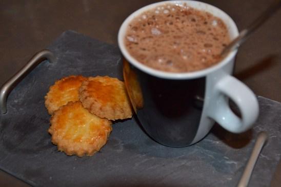 sablés chocolat chaud et chocolat chaud