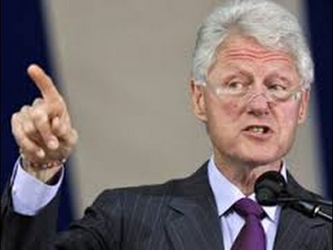People Instantly Notice Something About This Photo of Bill