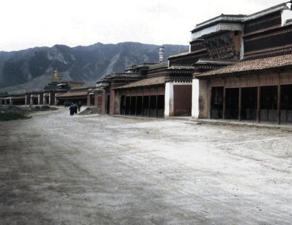 Staub, Xiahe, Gansu © Kruth 2001