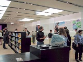 Steve Jobs Apple Store Tysons