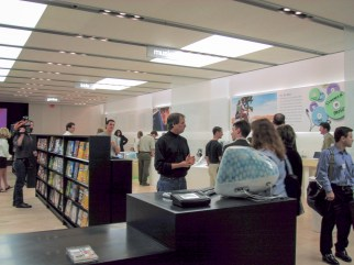 Steve Jobs Apple Store Tysons
