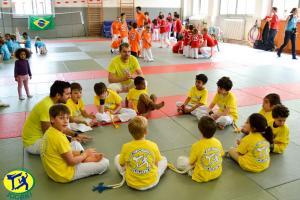 Capoeira Paris Jogaki 2014 - competition pour enfants danse et sport jogaventura039 [L1600]