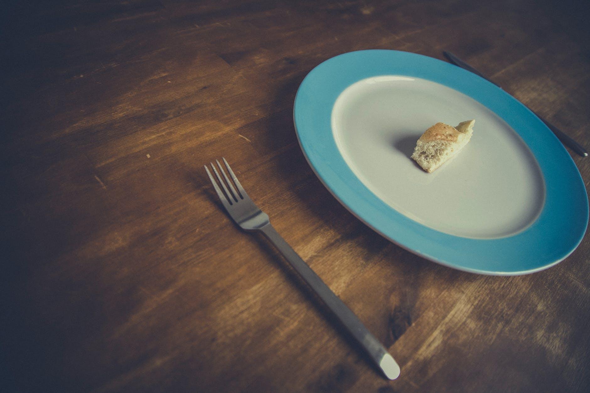 Ukuran Piring Makan, Menentukan Jumlah Kalori????