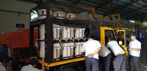 091918Kendaraan AMMDes dengan alat penjernih air untuk korban gempa Palu dan Lombok selesai diproduksi. Kendaraan ini segera dikirim ke lokasi gempa. 9 Oktober 2018. Foto Kiat Mahesa Wintor 1