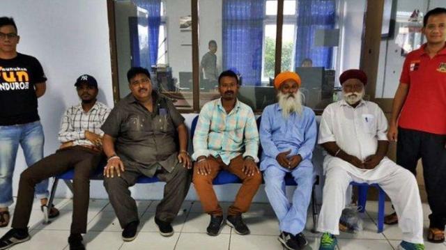 mengaku kehabisan uang lima turis asal india mengemis dan meramal di nunukan