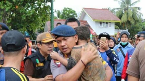 Ali 5 korban tsunami di Pantai Carita Pandeglang Banten berhasil dievakuasi