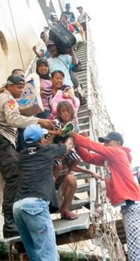 Pemilik Perahu tempel berebutan penumpang