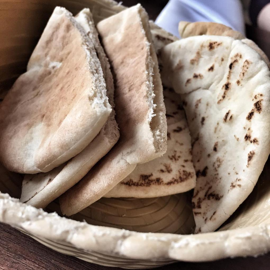 Pita bread snack - Rendezvous @ Nargile