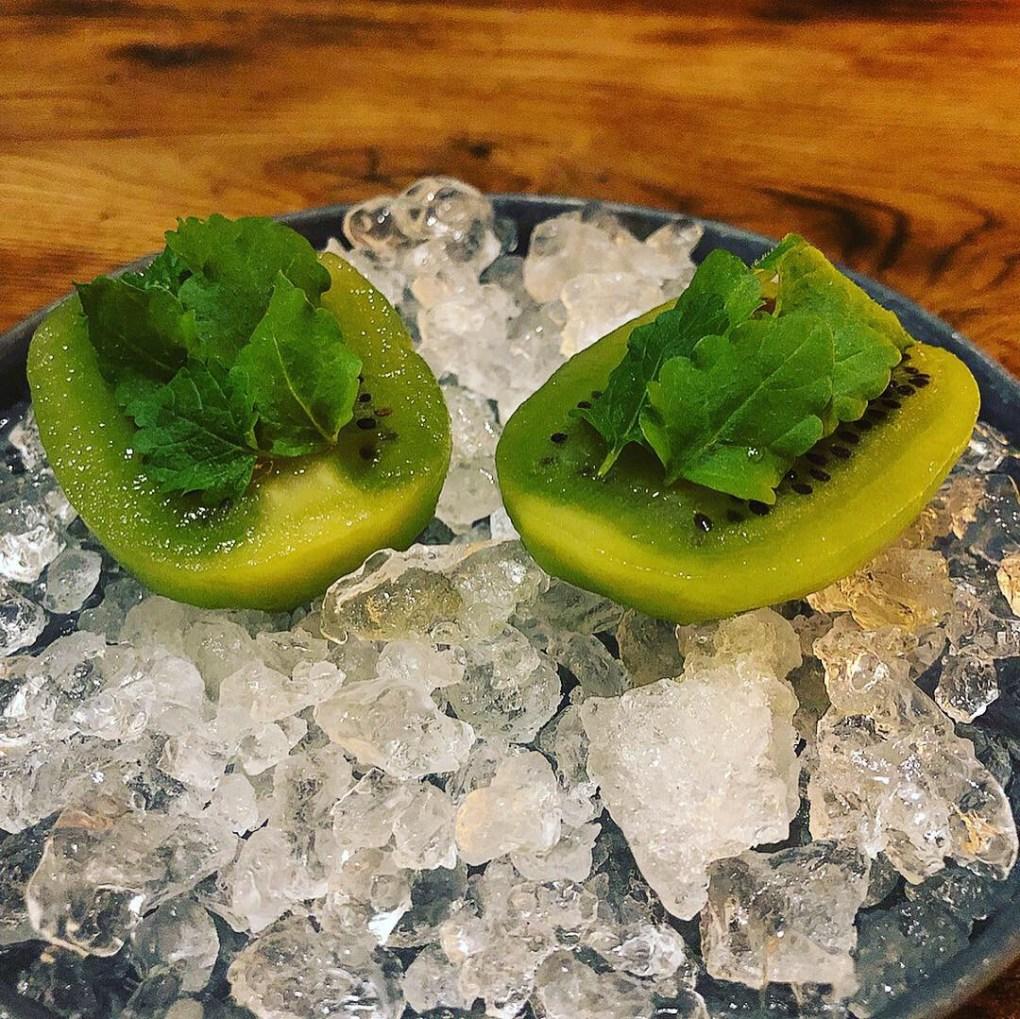 Kiwi and elderflower dessert