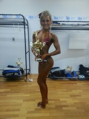 alyssa with her 1st place trophy NABBA Nationals
