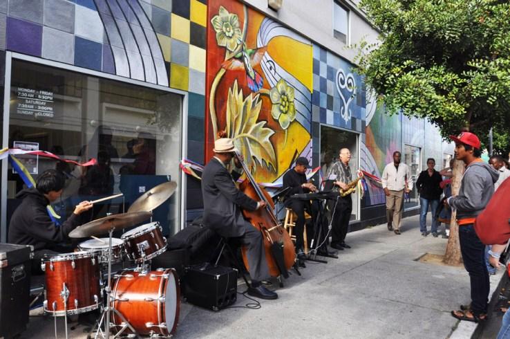 Huumingbird mural Jazz