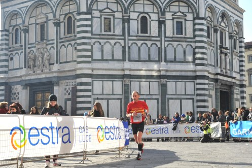 Running past the Duomo