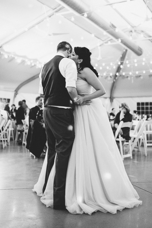 Denver Wedding Photographer Hudson Gardens first dance