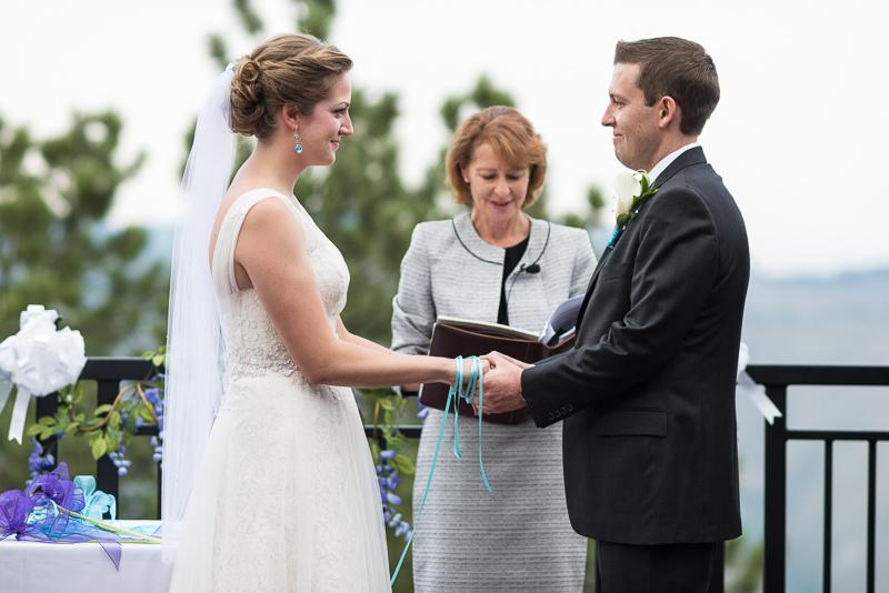Golden Wedding Photographer ribbon ceremony