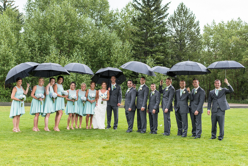 Silverthorne Wedding Photographer wedding party with umbrellas