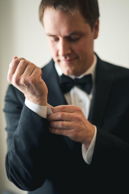 denver wedding photography groom cufflinks