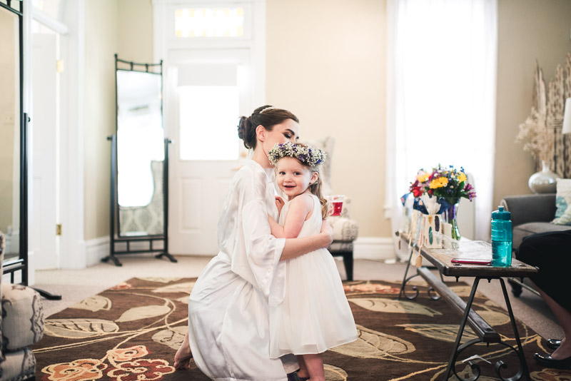 chatfield botanic gardens wedding photography bride and flower girl