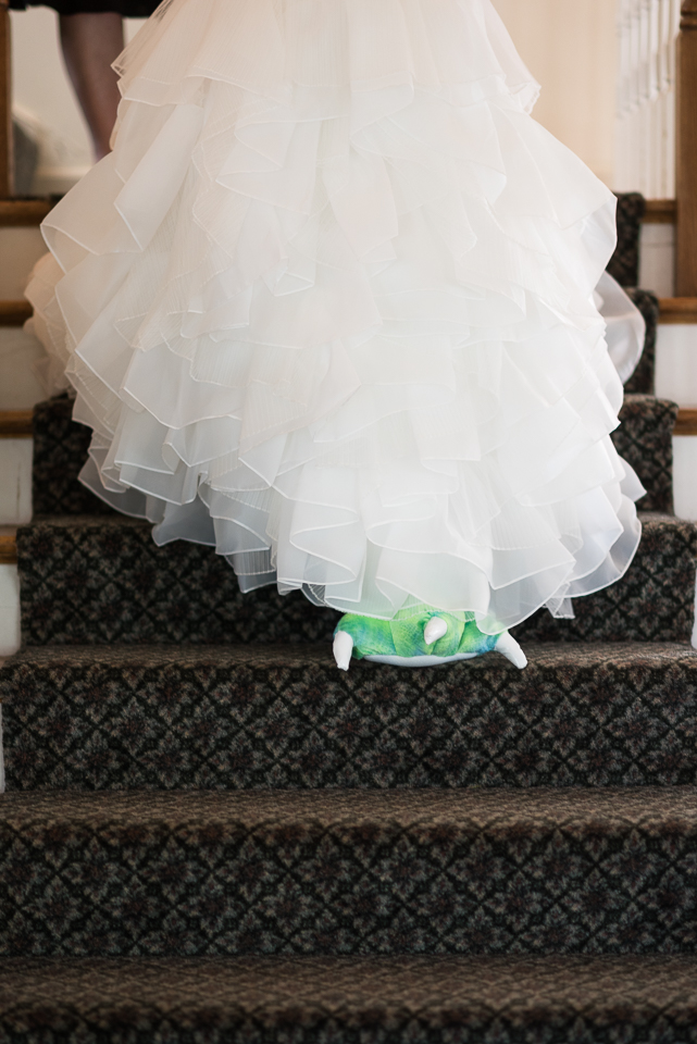 morrison willow ridge manor wedding photographer bride walking down stairs