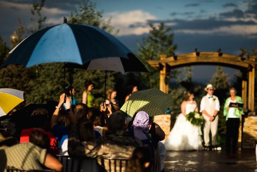 morrison willow ridge manor wedding photographer umbrella