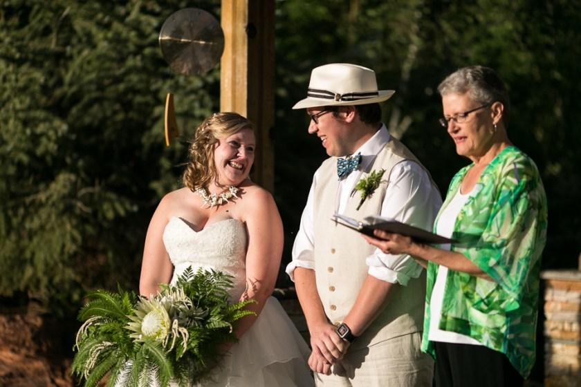 morrison willow ridge manor wedding photographer laughing