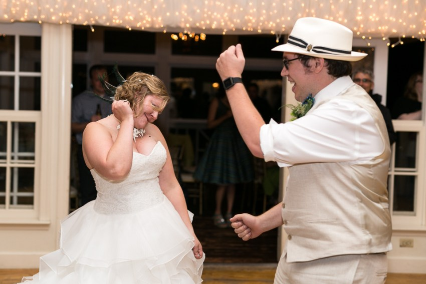 morrison willow ridge manor wedding photographer bride and groom dancing