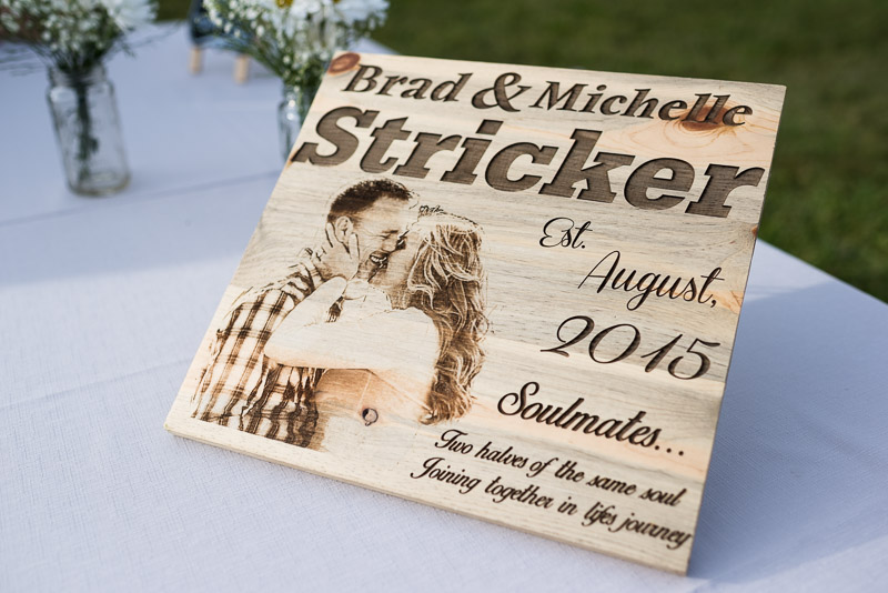 Cuchara Wedding Photographer wood carving