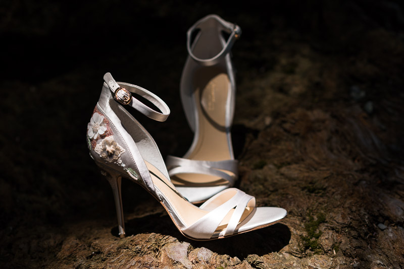 deer park villa wedding photography wedding shoes