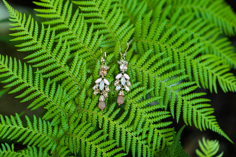 deer park villa wedding photography earrings