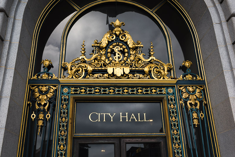 san francisco city hall gold sign