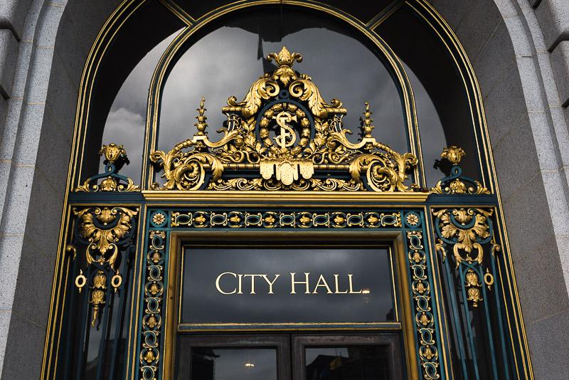 san francisco city hall gold sign