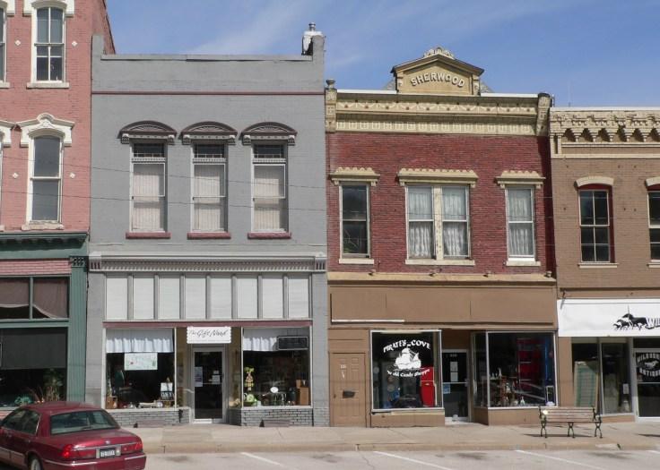 Plattsmouth,_Nebraska_526-530_Main