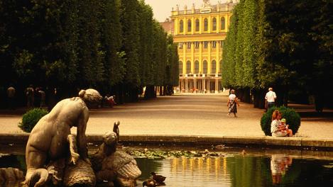 schoenbrunn-palace-vienna