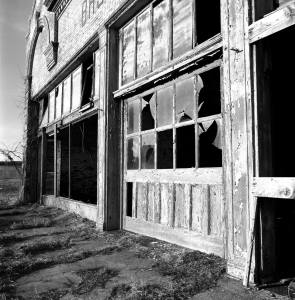 3-1-2008 Cairo Illinois-Ghost Town-Hasselblad C/M camera-50mm Zeiss Distagon-Kodak T-max 100 120 film-PMK Pyro developer.