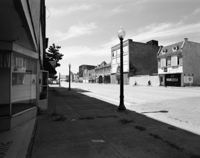 7-8-2007 Cairo Missouri-nearly a ghost town-Pentax 6x7-45mm lens-Ilford HP5+ 120 film-PMK Pyro developer.