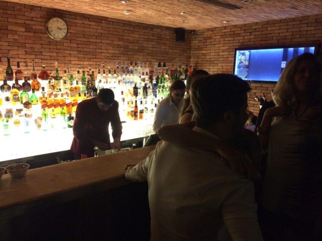 The bar at Londra.