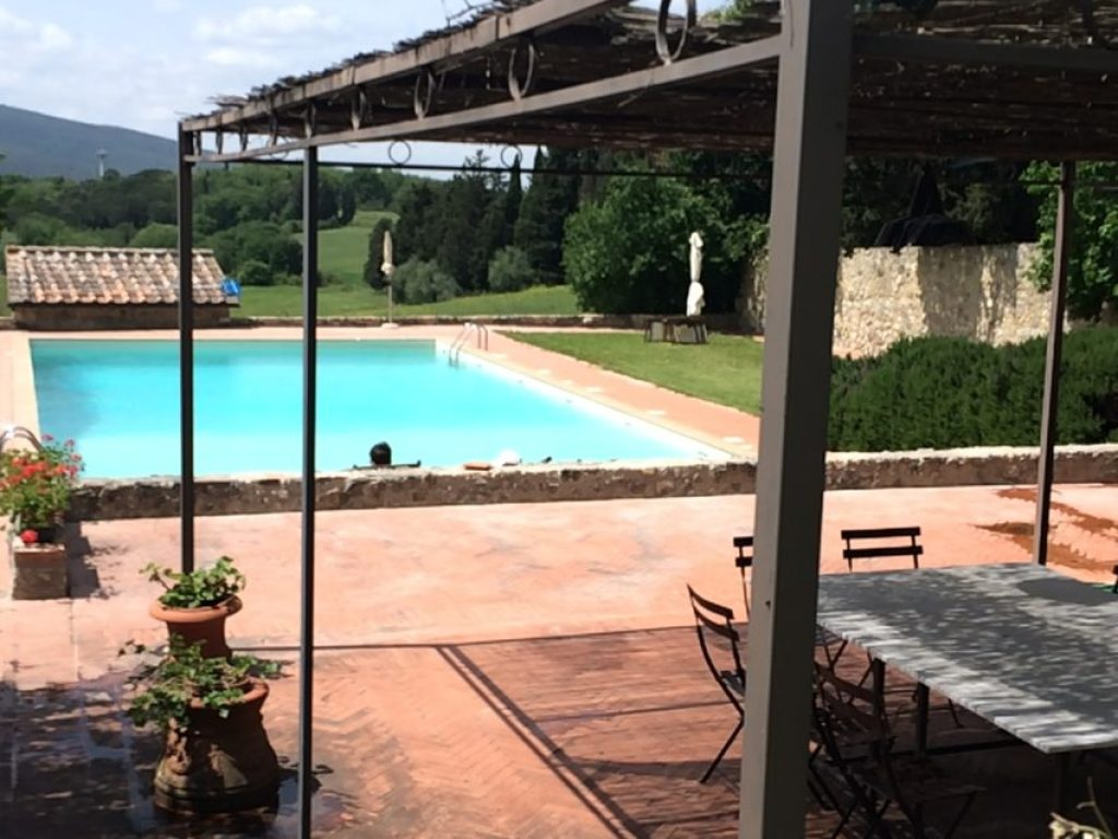 The pool at Lornano argriturismo and winery.