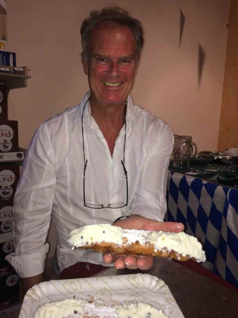 The cannoli at Avenue Cafe Di Pollina Pietro must be held to be believed.