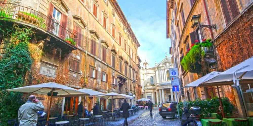 Centro Storico has so many alleys and crannies, every trip in is different.