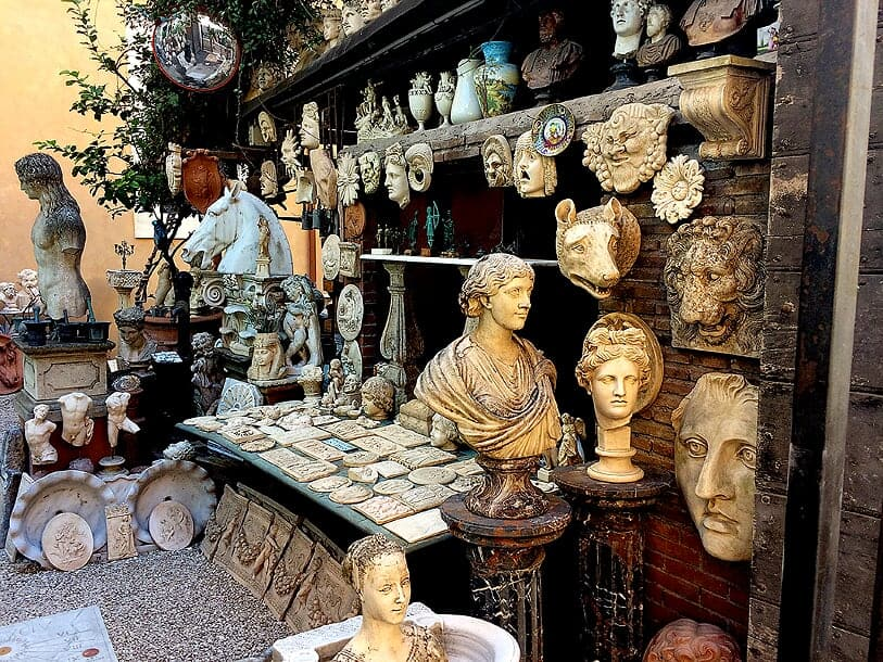 Walk across Rome without traffic: A stroll across a 3,000-year-old city
