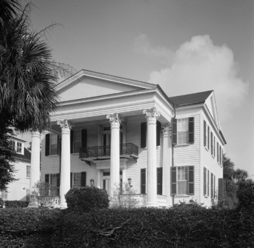 Chisholm-Alston House