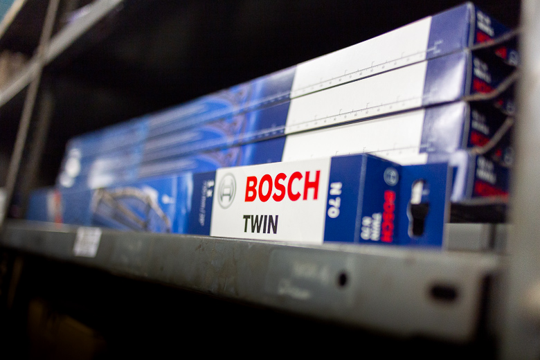 Spares and parts - Bosch HGV Windscreen Wipers.