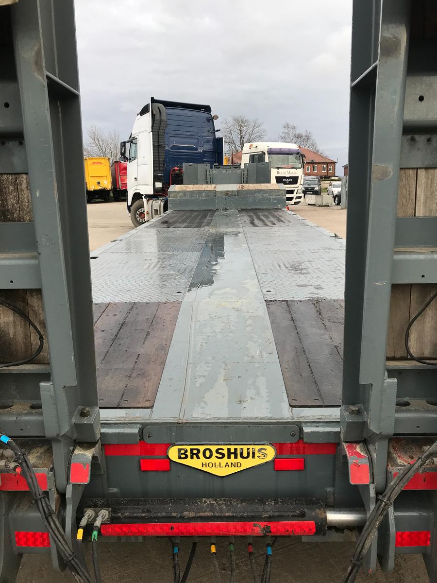 Broshuis machinery carrier lowloader