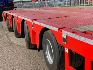 Photo of a Broshuis 4 Axle SL Double Extending Stepframe HGV Semi Low Loader Trailer