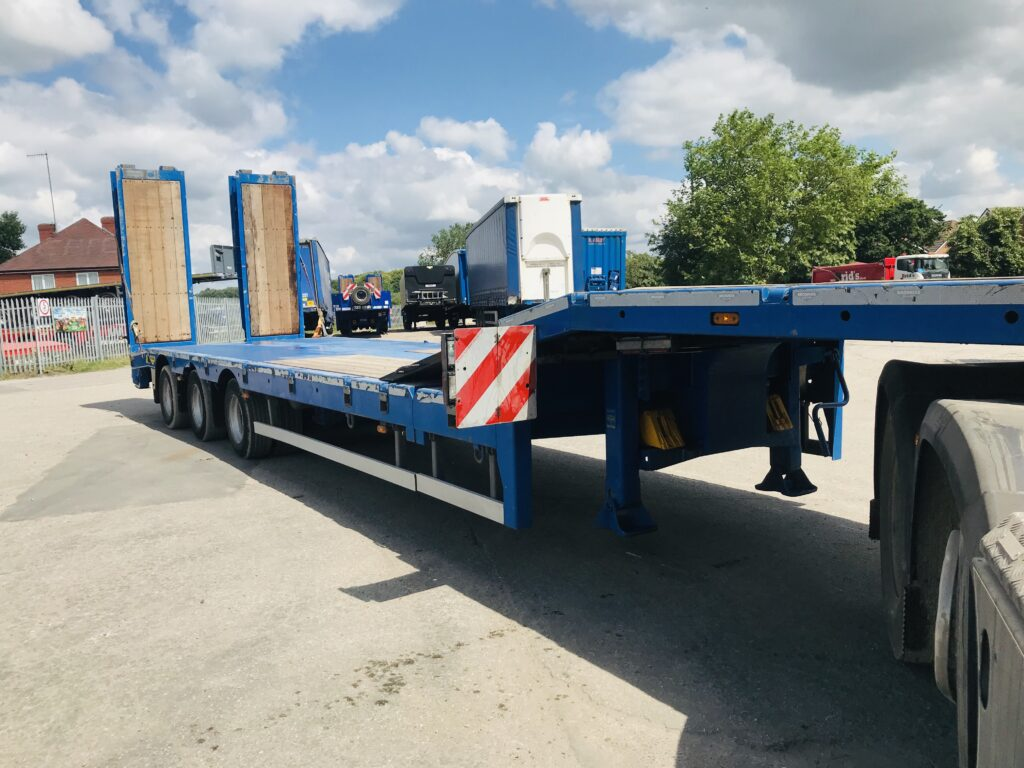 Broshuis 2017 Extendible machinery/plant carrier