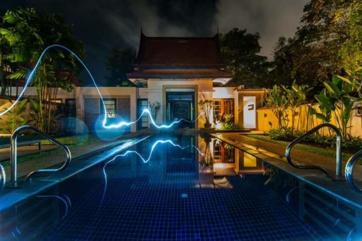 smart-home-pool-night