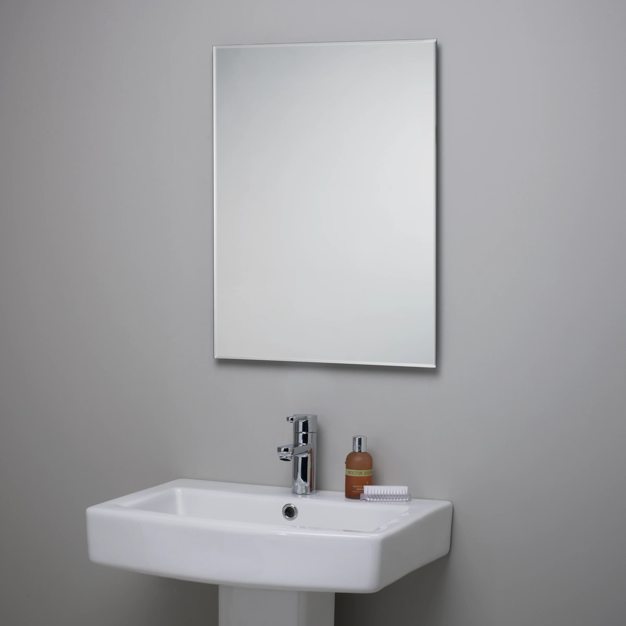 bevelled bathroom mirror