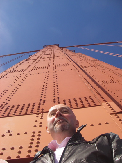 The sheriff of Nottingham under one of the huge Golden Gate towers