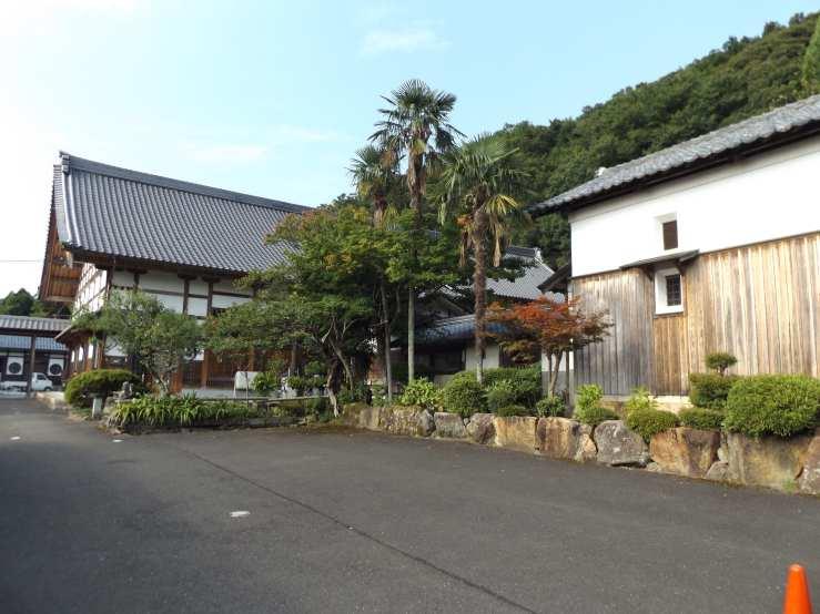 shrinemikata.jpg